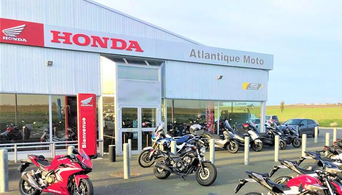 motorcycle rental Royan Array