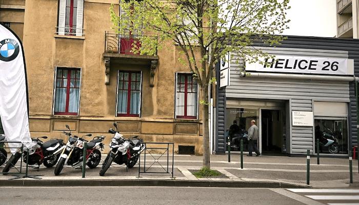 location moto Valence Array
