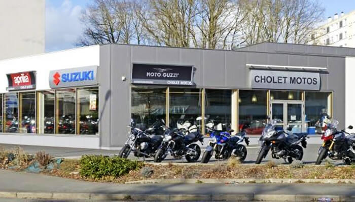 motorcycle rental Cholet Array