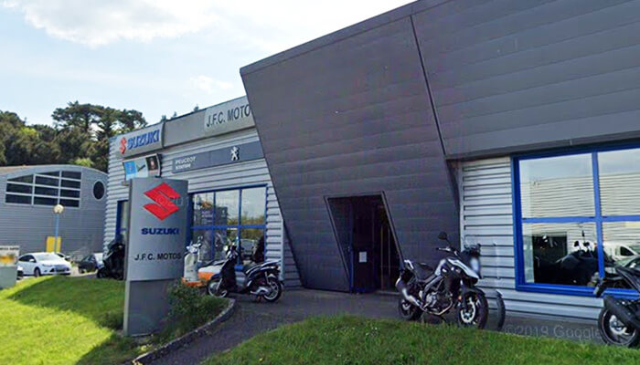 motorcycle rental Lorient Array