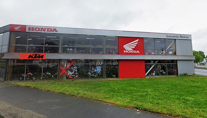 motorcycle rental Rennes Array