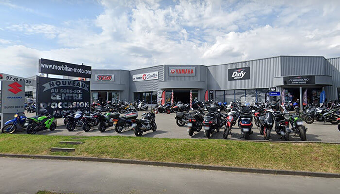 motorcycle rental Vannes Array