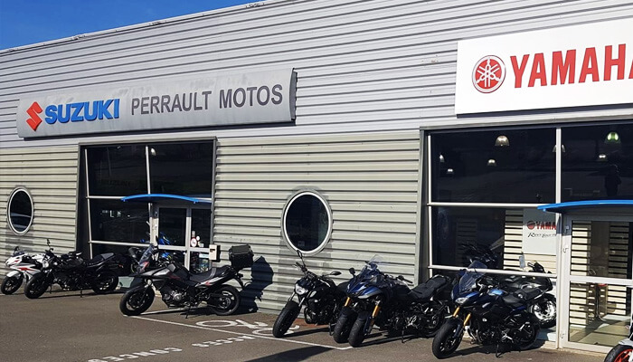 motorcycle rental Angers Array