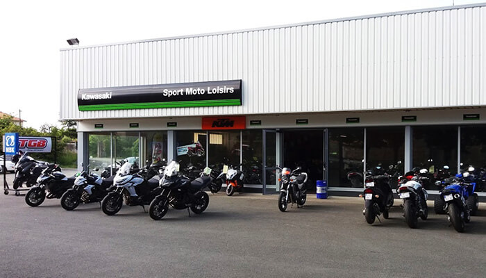 motorcycle rental Niort Array