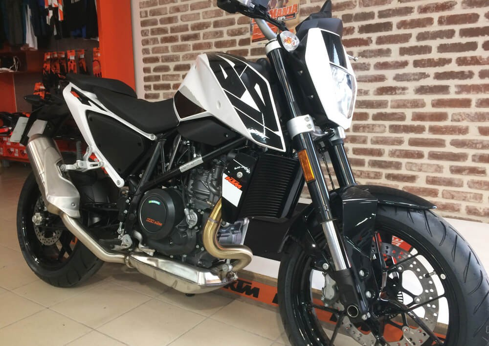 location ktm 690 duke a2 les sables d 39 olonne easy renter. Black Bedroom Furniture Sets. Home Design Ideas