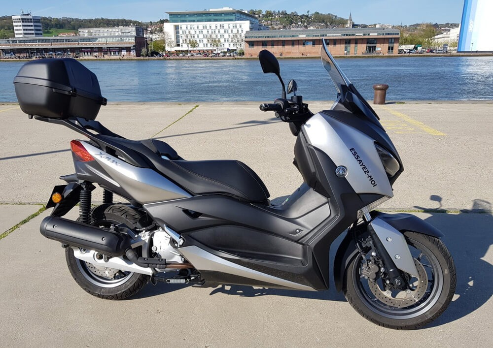 location yamaha 125 xmax rouen easy renter. Black Bedroom Furniture Sets. Home Design Ideas