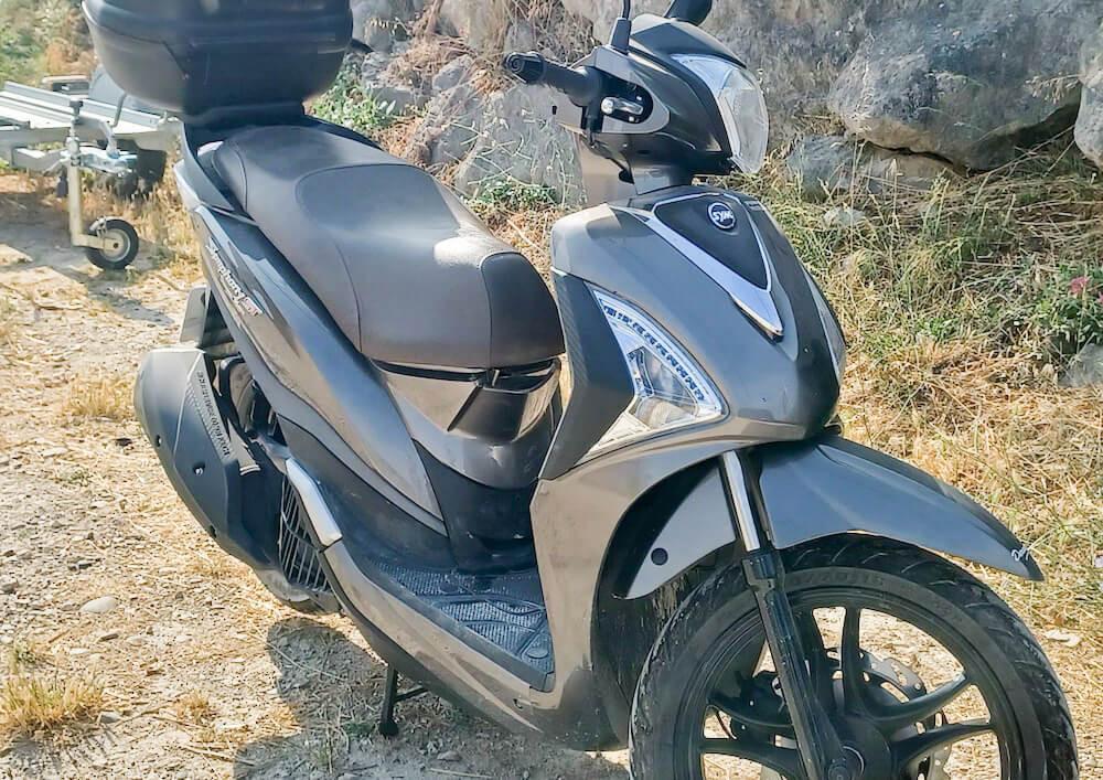 location scooter Peyrolles-en-Provence Sym Symphony 125 15442