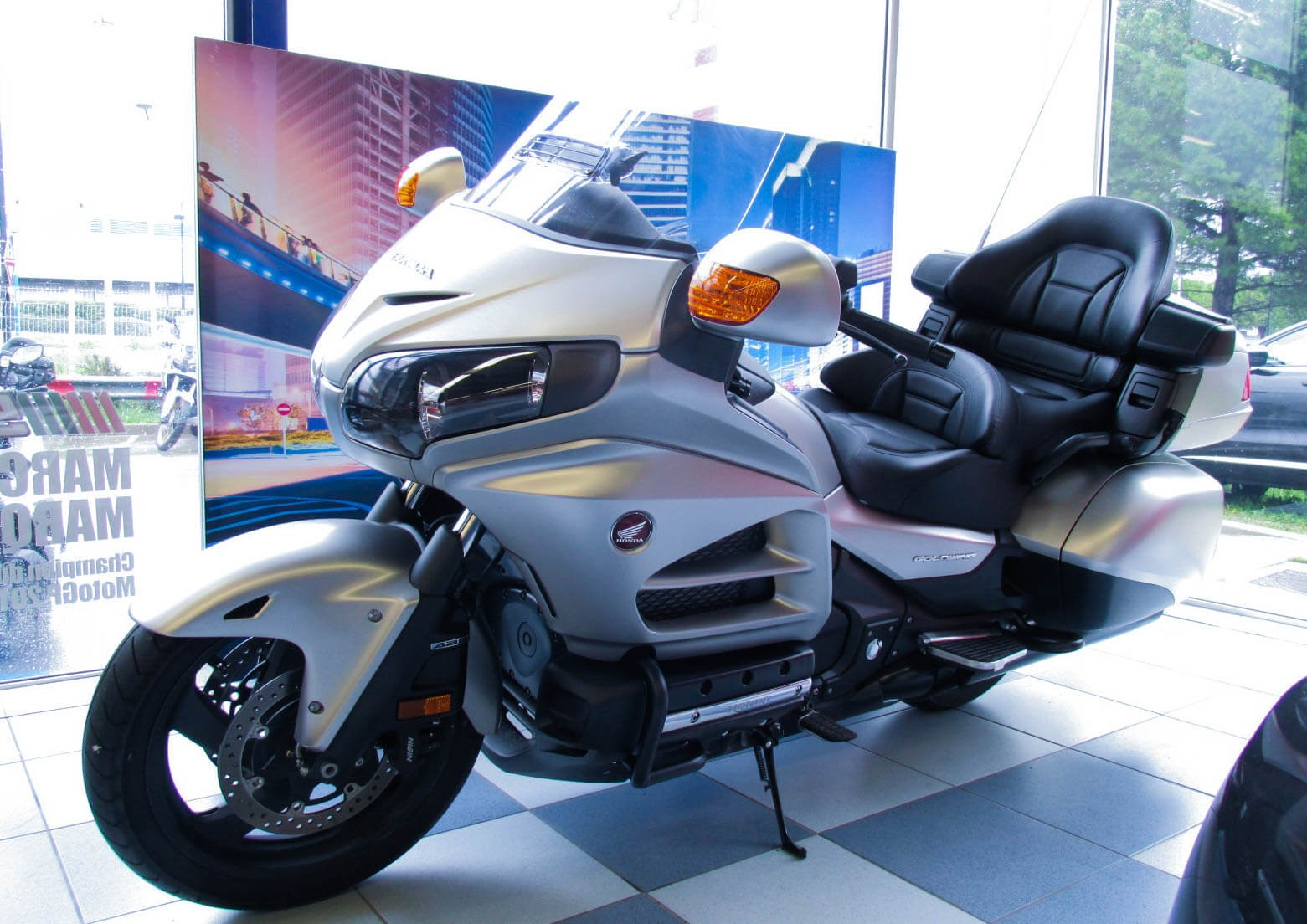 location honda goldwing 1800 montpellier easy renter. Black Bedroom Furniture Sets. Home Design Ideas