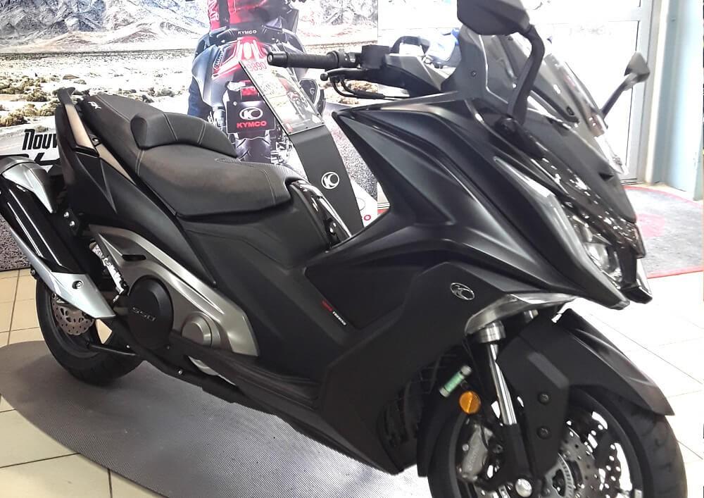 Location scooter Les Sables-d'Olonne Kymco AK 550 2
