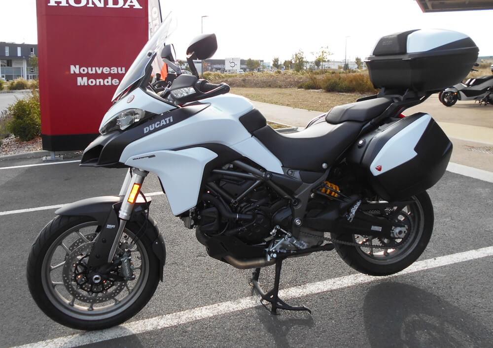 Location moto La Rochelle Ducati Multistrada 959 3