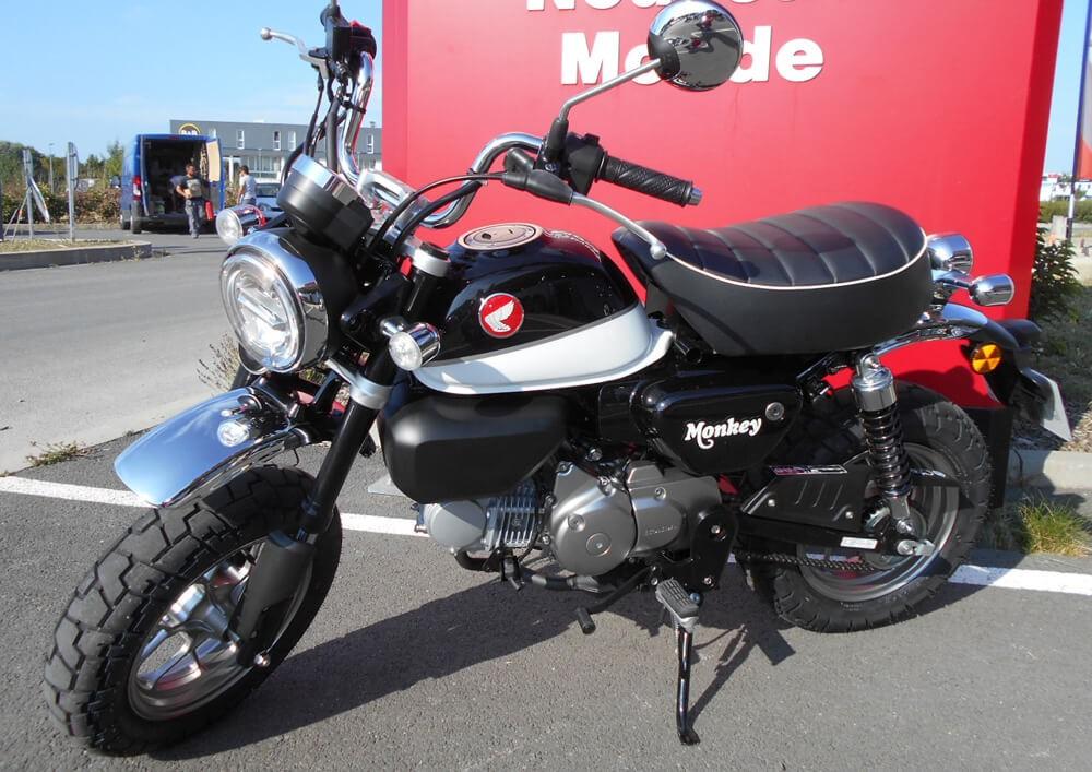 location moto larochelle honda monkey 125 1