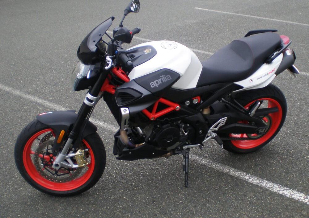Location moto Mayenne Aprilia Shiver 900 1