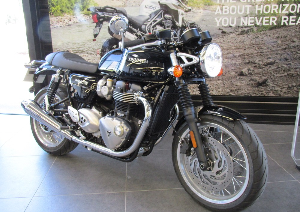 Location moto Montpellier Triumph Thruxton 1200 R 5