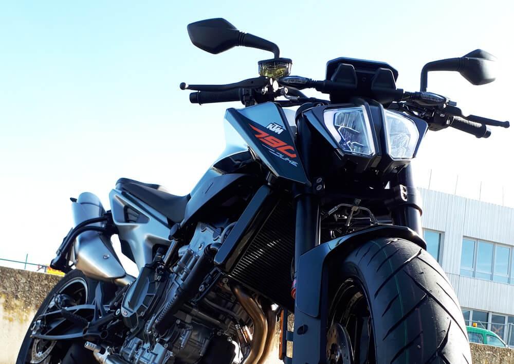 Location moto Les Sables-d'Olonne KTM 790 Duke 2