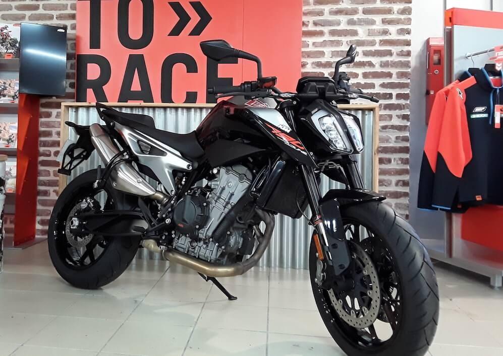 Location moto Les Sables-d'Olonne KTM 790 Duke 1