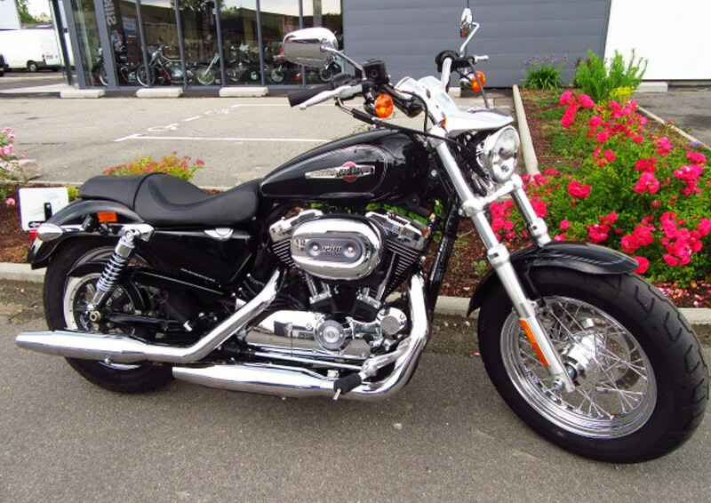 Location moto Rennes Harley-Davidson 1200 Sportster XL Custom C ABS 1