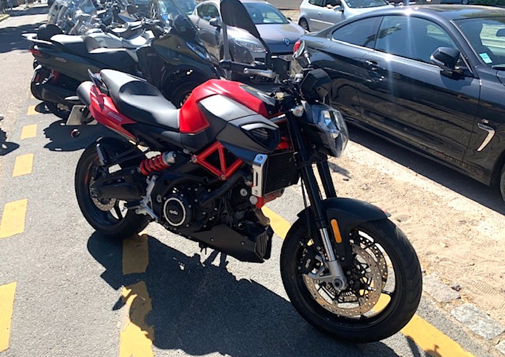 location moto Rouen Aprilia Shiver 900 9431
