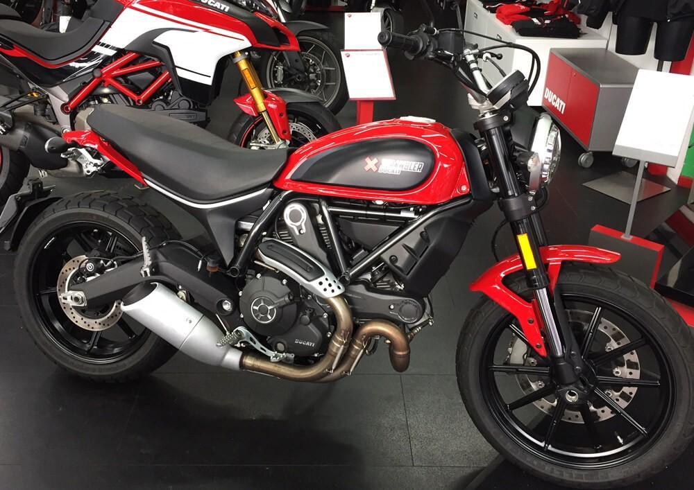 Location moto Ducati Scrambler ICON 800 3