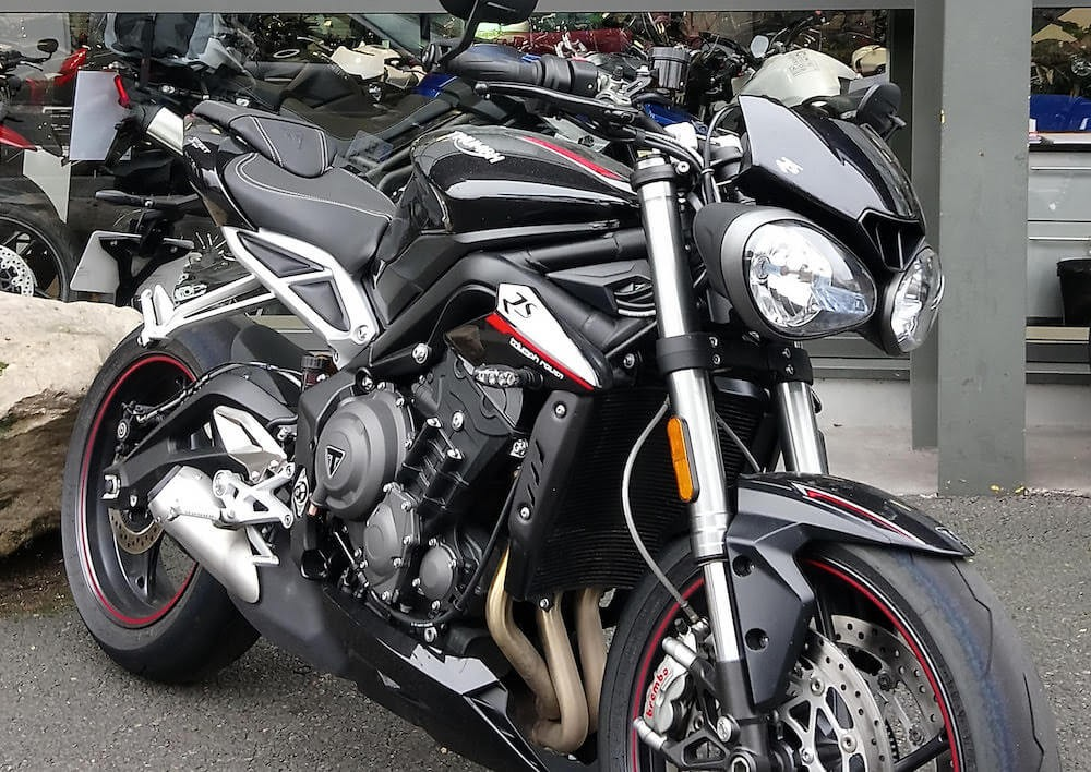 Location moto Rouen Triumph Street Triple 765 RS