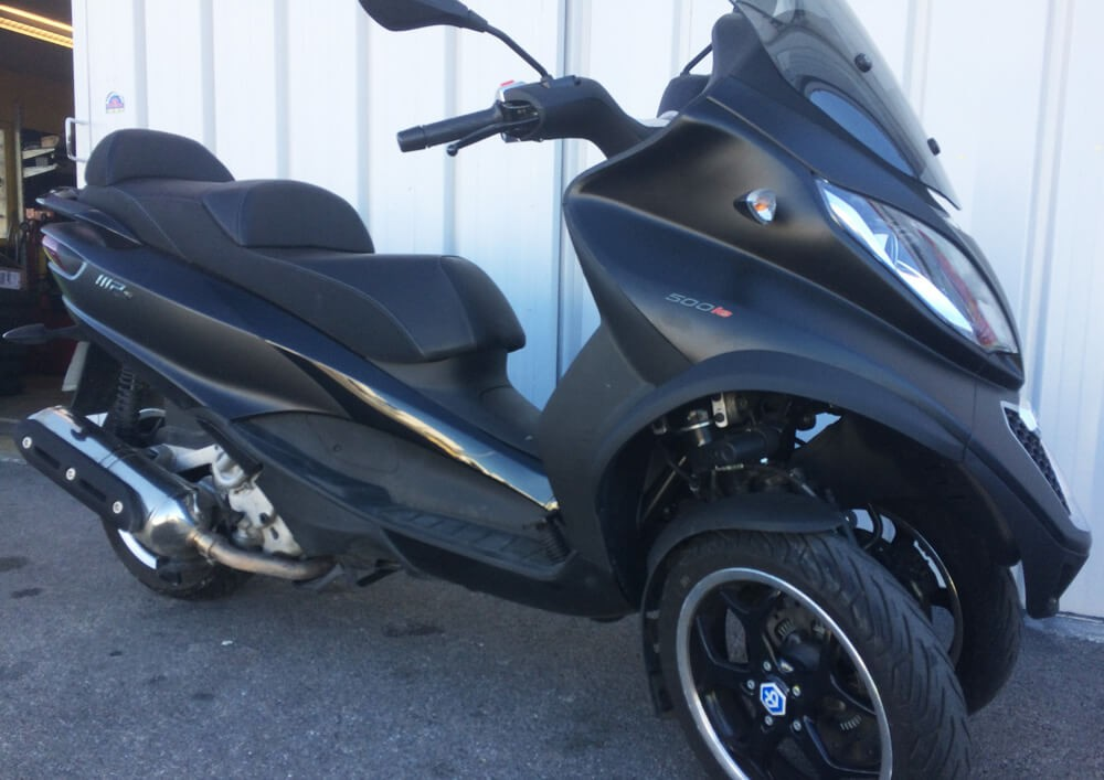Location scooter 3 roues PIAGGIO MP3 500 ie 1
