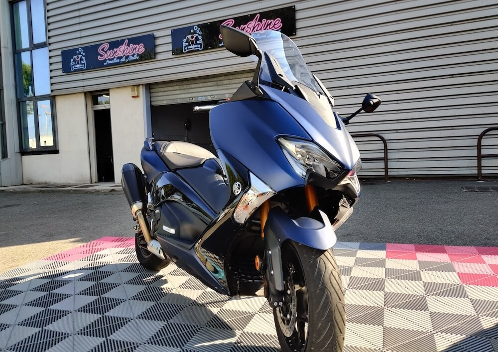 location scooter Aix-en-Provence yamaha tmax 2