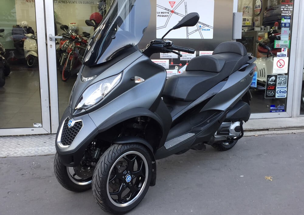 Location Scooter Biarritz Piaggio MP3 LT Sport 1