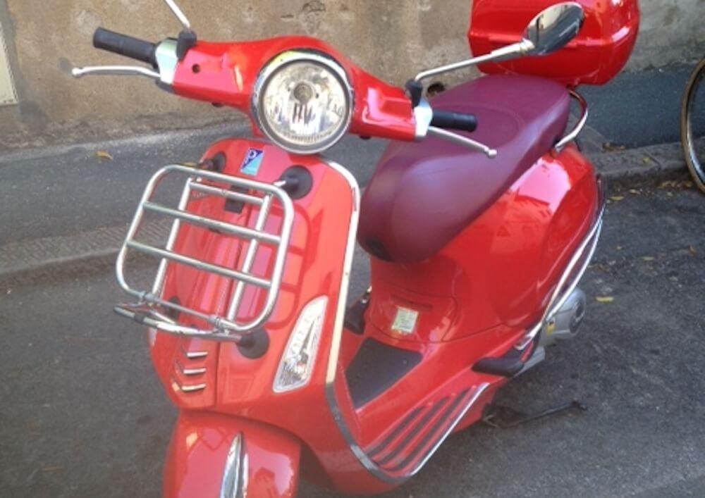Location Scooter Biarritz Vespa 125cc 2