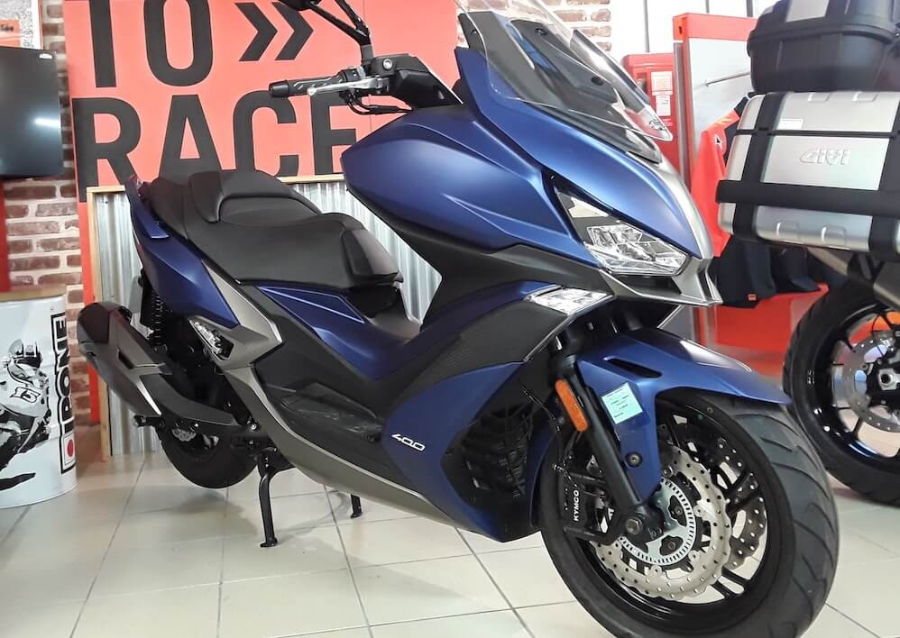 Location scooter Les Sables-d'Olonne Kymco 400 Xciting 1