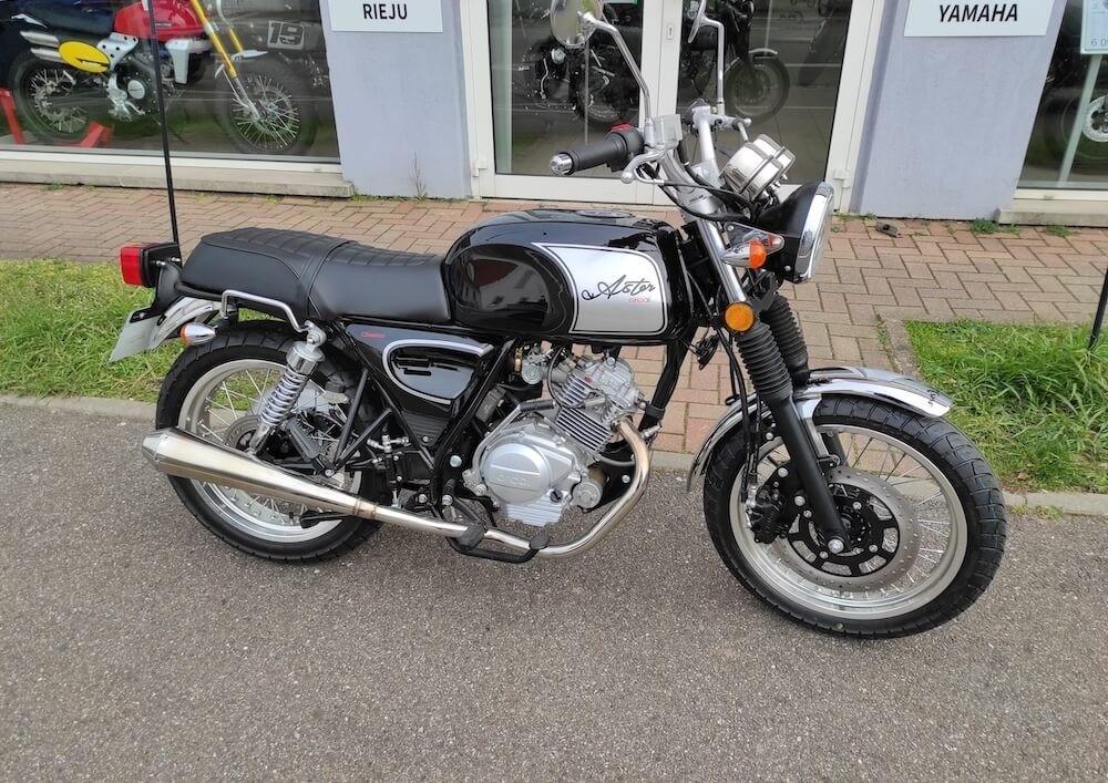 location moto haguenau Strasbourg Benelli 502 C 5