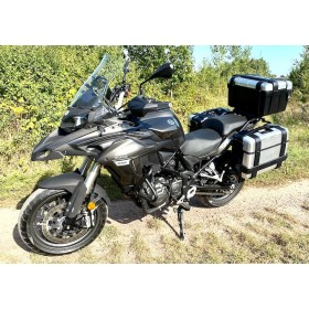 location moto Benelli TREK 502