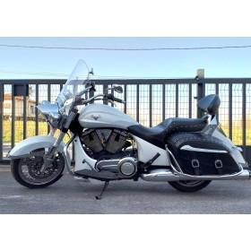 location moto Victory 1700 Crossroad Classic 2014