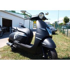 location moto Peugeot 125 Django