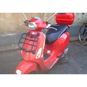 location moto Piaggio 125 Vespa Rouge #3