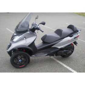 location moto PIAGGIO MP3 300 LT
