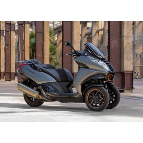 location moto Peugeot 400 Metropolis RS