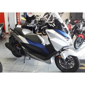 location moto Honda 125 Forza