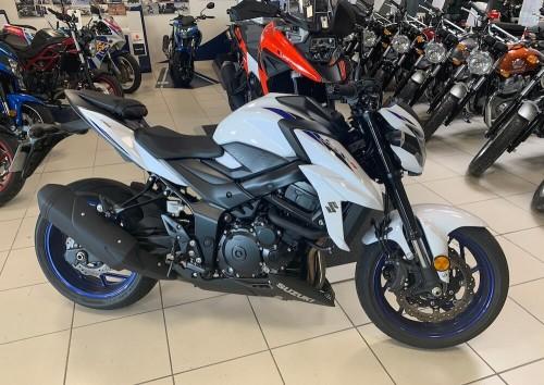 location moto Vannes Suzuki GSX-S 750 Full 10154