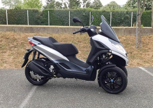 location scooter Mayenne (ville) Piaggio MP3 300 9665