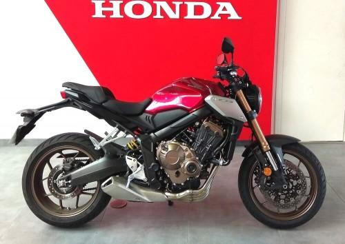 Location moto Rennes Honda CB 650 R 3