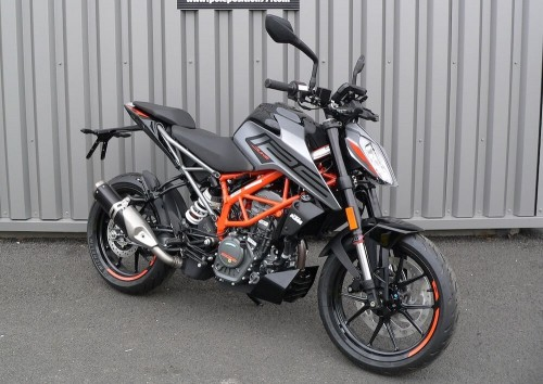 Location moto Pau KTM 790 Duke L 1