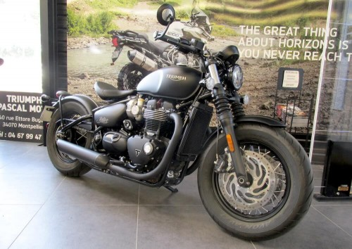 Location moto Montpellier Triumph Bonneville Bobber 1200 4