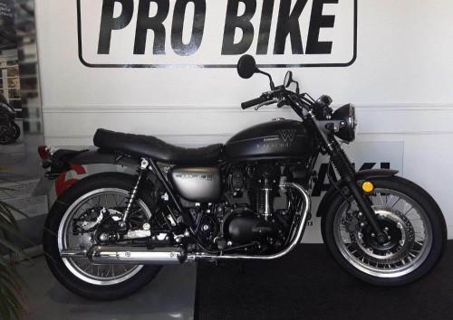 Location moto Angers Kawasaki w800 4