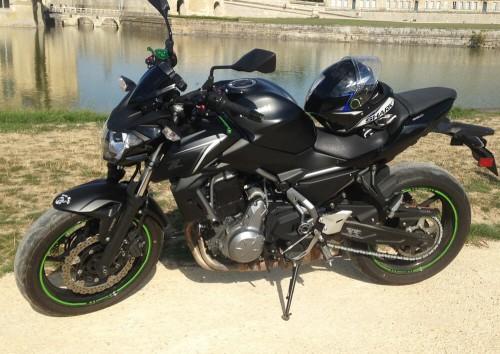 location moto beauvais kawasaki Z650 1