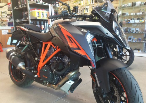 Location moto brest KTM 1290 SUPERDUKE R 1