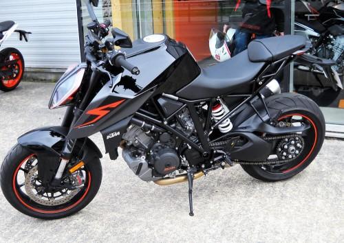 Location moto brest KTM 1290 SUPERDUKE R 2
