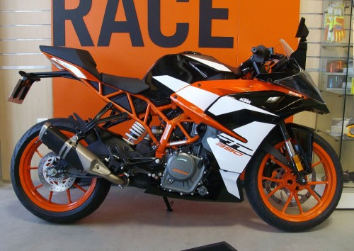Location moto Brest KTM 390 RC