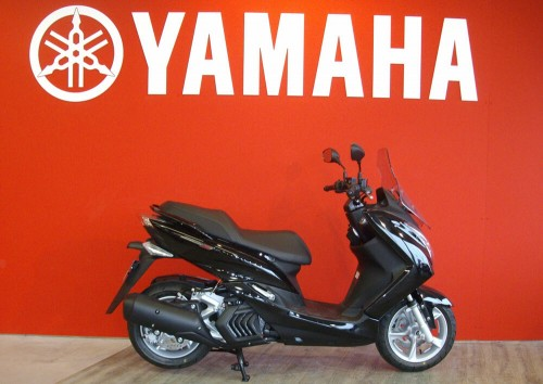 Location scooter Brest Yamaha Majesty