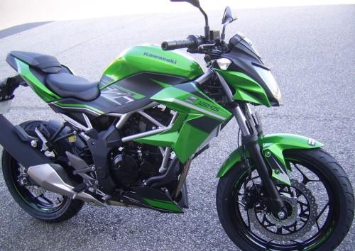 location moto Cherbourg Kawasaski Z125 1