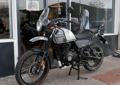 location moto Pau Royal Enfield 650 Interceptor 1
