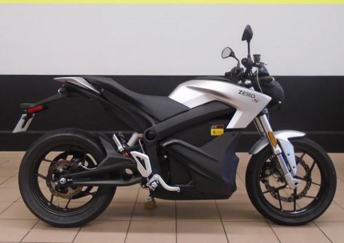 location moto electrique Valence Zero Motorcycles S (Streetfighter) 2